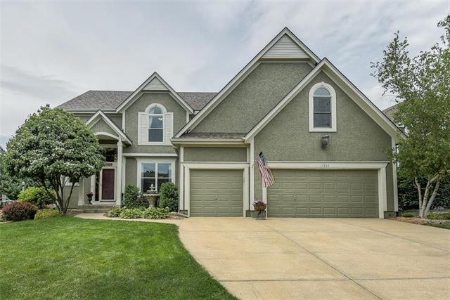 11937 W 132ND Street, Overland Park, KS 66213 (#2169784) :: The Shannon Lyon Group - ReeceNichols