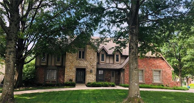 8800 Linden Drive, Prairie Village, KS 66207 (#2169838) :: The Shannon Lyon Group - ReeceNichols