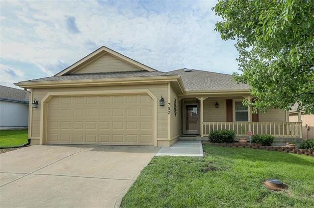 702 Sun Court, Raymore, MO 64083 (#2170209) :: House of Couse Group