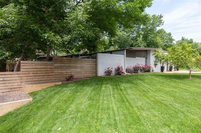 7700 Canterbury Street, Prairie Village, KS 66208 (#2170226) :: NestWork Homes