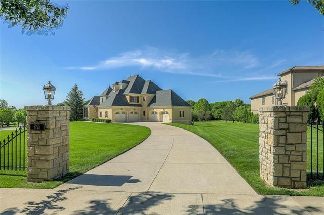 7905 N Shoal Creek Valley Drive, Kansas City, MO 64157 (#2170228) :: The Gunselman Team