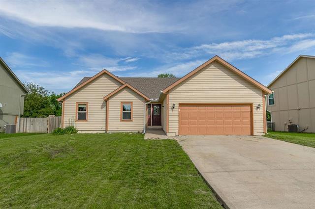 417 N Mulberry Street, Gardner, KS 66030 (#2170316) :: House of Couse Group