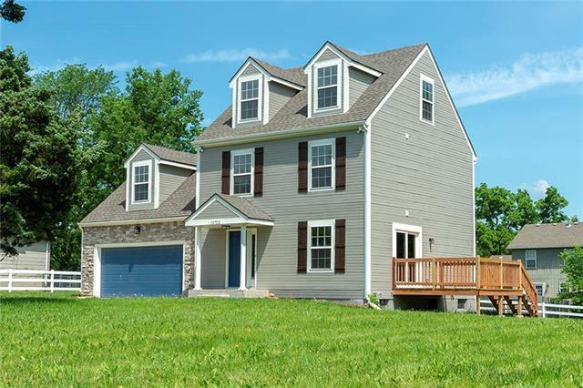 13722 Martin Luther King Avenue, Bonner Springs, KS 66012 (#2170461) :: Team Real Estate