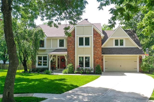 2332 W 123rd Terrace, Leawood, KS 66209 (#2170499) :: House of Couse Group