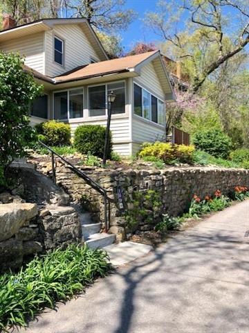 109 Lake Forest Drive, Bonner Springs, KS 66012 (#2170531) :: Team Real Estate