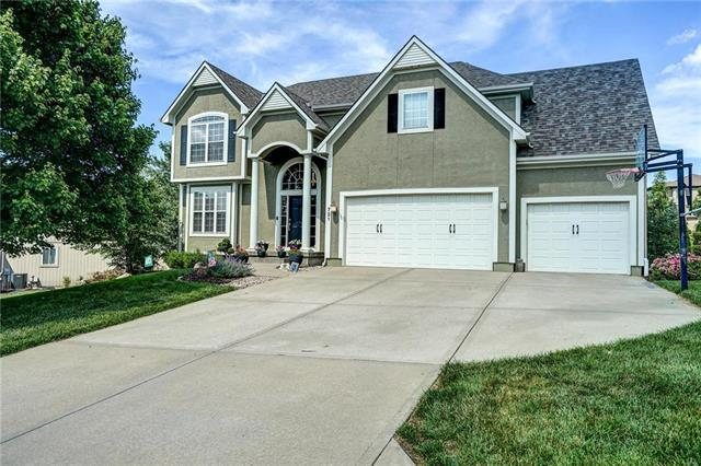 721 SW Winterstar Drive, Lee's Summit, MO 64081 (#2170558) :: House of Couse Group