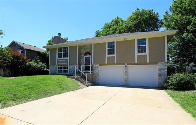 104 SE Topaz Drive, Lee's Summit, MO 64063 (#2170560) :: House of Couse Group