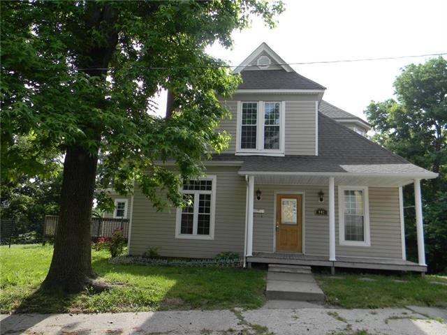 802 S 13th Street, St Joseph, MO 64501 (#2170583) :: Clemons Home Team/ReMax Innovations