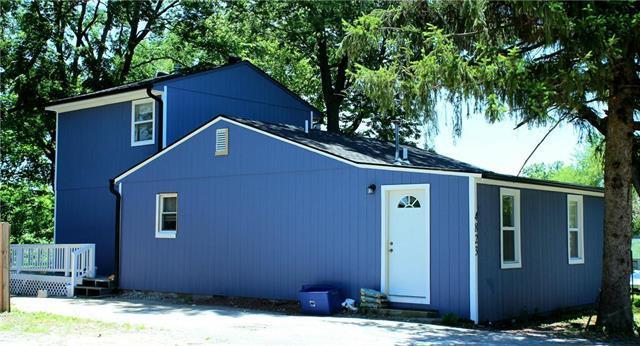 4823 N Brighton Avenue, Kansas City, MO 64119 (#2170586) :: Clemons Home Team/ReMax Innovations