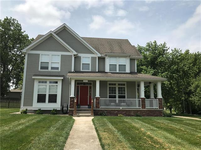 9814 Russell Circle, Liberty, MO 64068 (#2170609) :: House of Couse Group