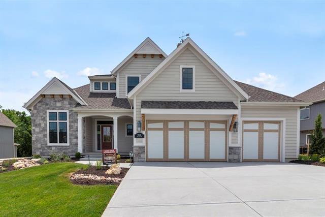 9508 Lone Elm Road, Lenexa, KS 66220 (#2170703) :: House of Couse Group