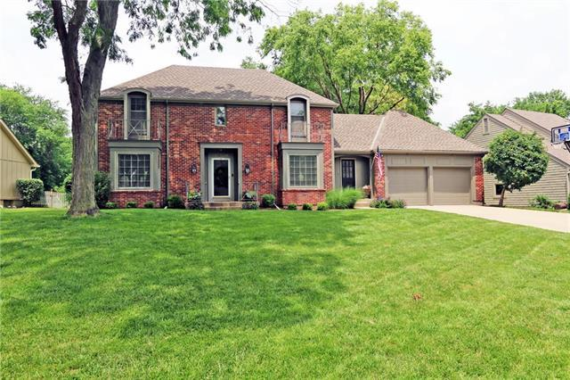 2208 W 124th Street, Leawood, KS 66209 (#2170875) :: House of Couse Group