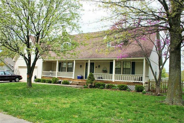 604 Cedar Drive, Raymore, MO 64083 (#2170889) :: No Borders Real Estate