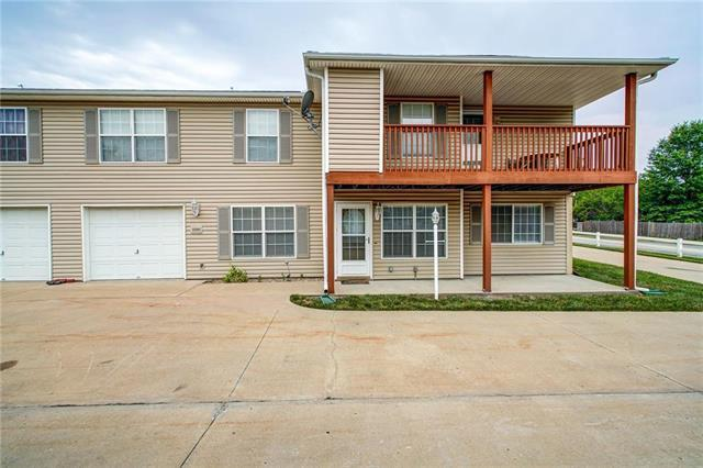 12505 E 39th Street, Independence, MO 64055 (#2171034) :: Edie Waters Network