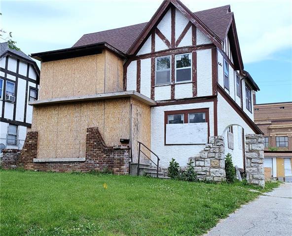 511 Van Brunt Boulevard, Kansas City, MO 64124 (#2171064) :: Clemons Home Team/ReMax Innovations