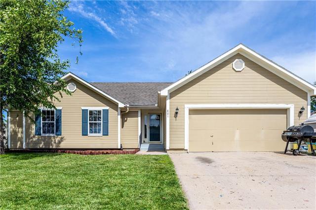 801 Shiloh Drive, Raymore, MO 64083 (#2171107) :: No Borders Real Estate