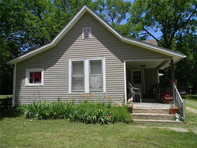 313 E Sanderson Street, Yates Center, KS 66783 (#2171144) :: Clemons Home Team/ReMax Innovations