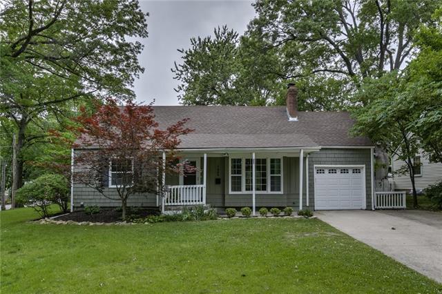 7066 Granada Road, Prairie Village, KS 66208 (#2171153) :: NestWork Homes