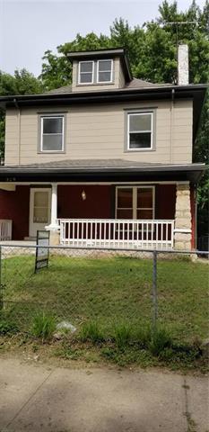 329 Askew Avenue, Kansas City, MO 64124 (#2171198) :: Clemons Home Team/ReMax Innovations