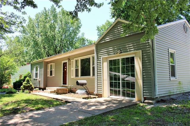 5716 Manning Avenue, Raytown, MO 64133 (#2171202) :: No Borders Real Estate
