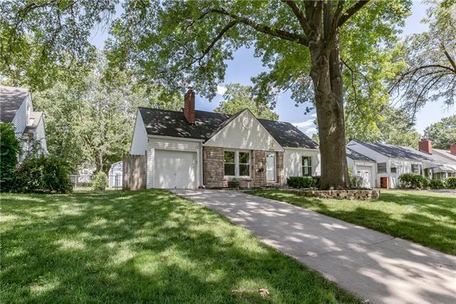 5343 Birch Street, Roeland Park, KS 66205 (#2171213) :: House of Couse Group