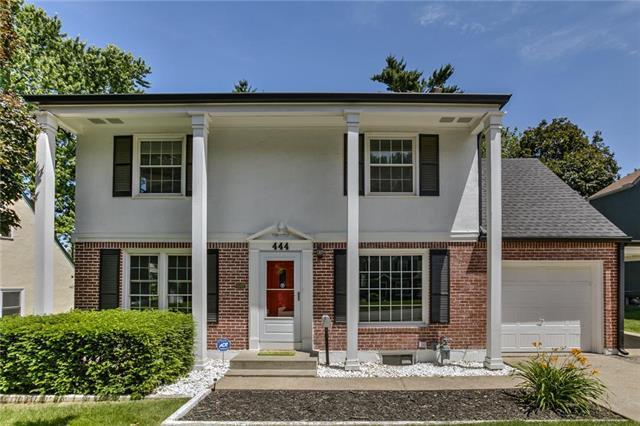 444 E 79th Terrace, Kansas City, MO 64131 (#2171235) :: House of Couse Group