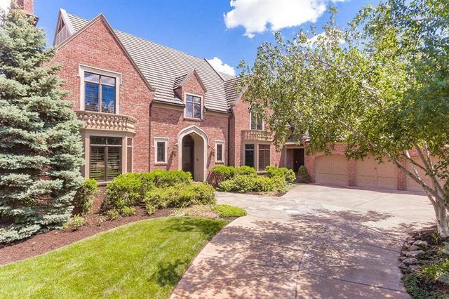 2845 W 111th Terrace, Leawood, KS 66211 (#2171249) :: Eric Craig Real Estate Team