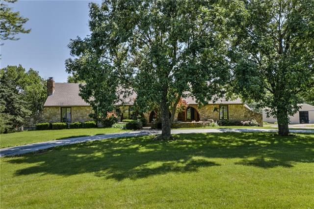 19595 Clearview Road, Spring Hill, KS 66083 (#2171281) :: Team Real Estate