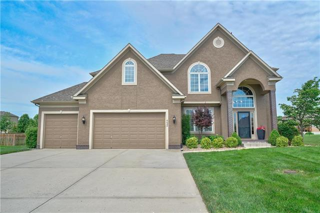 4424 SW Admiral Byrd Drive, Lee's Summit, MO 64082 (#2171426) :: No Borders Real Estate