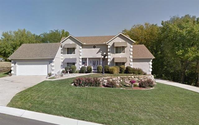 2605 NW Stonecrest Court, Blue Springs, MO 64015 (#2171438) :: Team Real Estate