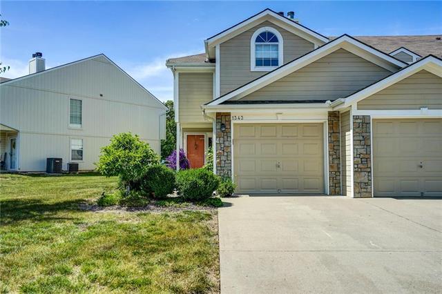 1343 NW Hidden Ridge Circle, Blue Springs, MO 64015 (#2171461) :: No Borders Real Estate
