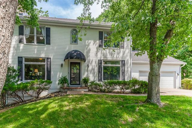 15609 Reeds Road, Overland Park, KS 66223 (#2171484) :: House of Couse Group