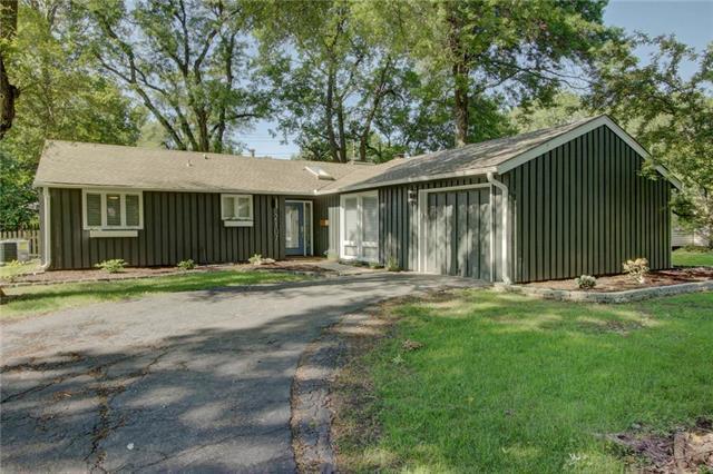 2107 W 71st Terrace, Prairie Village, KS 66208 (#2171512) :: NestWork Homes