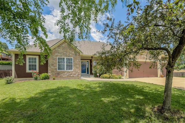 4912 Millbrook Street, Shawnee, KS 66218 (#2171519) :: NestWork Homes