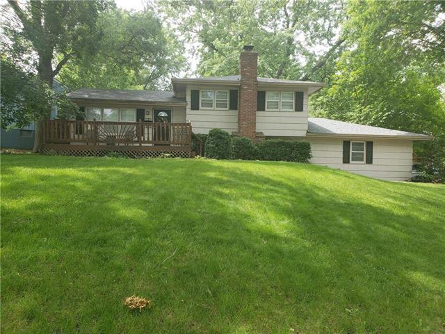 10801 W 71st Place, Shawnee, KS 66203 (#2171520) :: NestWork Homes