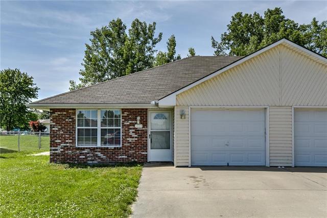 1000 Christie Lane, Grain Valley, MO 64029 (#2171546) :: No Borders Real Estate