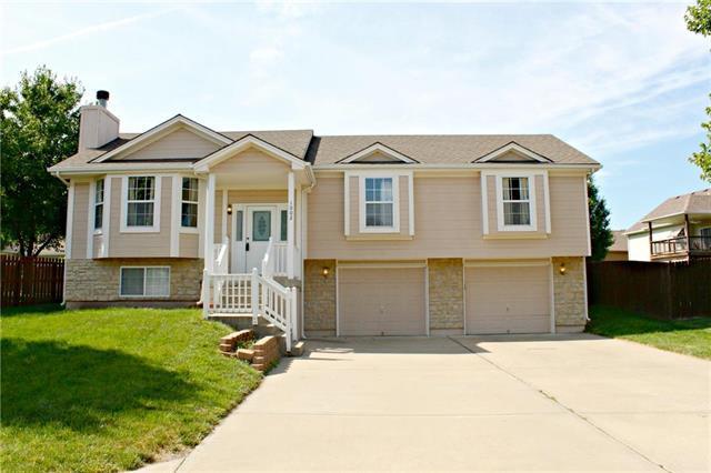 1002 NW Long Drive, Grain Valley, MO 64029 (#2171566) :: No Borders Real Estate