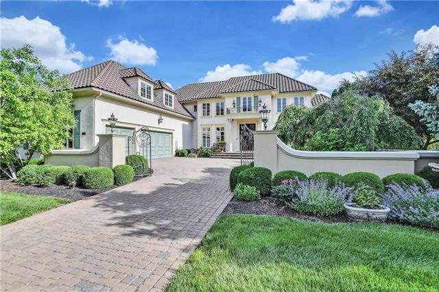 13921 Canterbury Circle, Leawood, KS 66224 (#2171569) :: Eric Craig Real Estate Team
