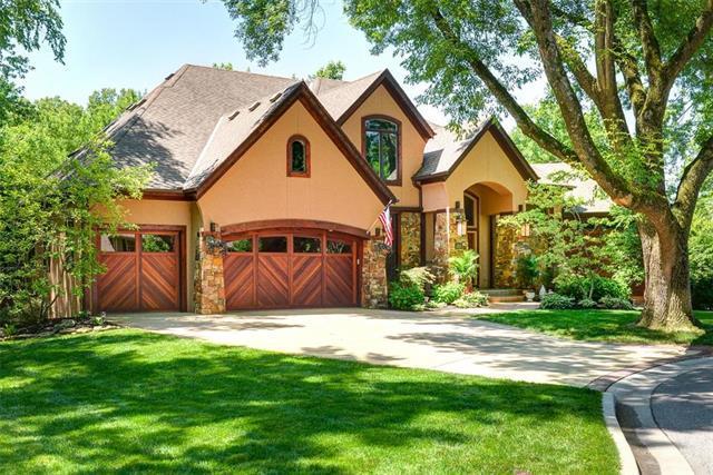 3225 W 82 Street, Leawood, KS 66206 (#2171575) :: No Borders Real Estate