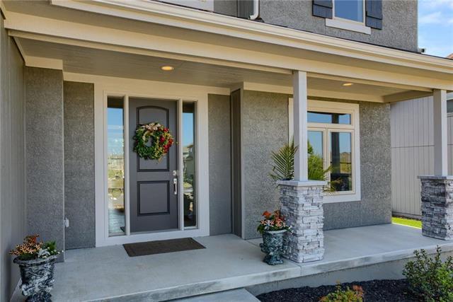 16477 S Parkwood Street, Olathe, KS 66062 (#2171586) :: House of Couse Group