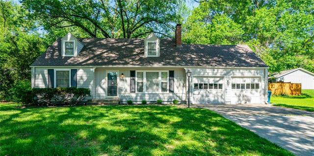 7748 Roe Avenue, Prairie Village, KS 66208 (#2171590) :: NestWork Homes
