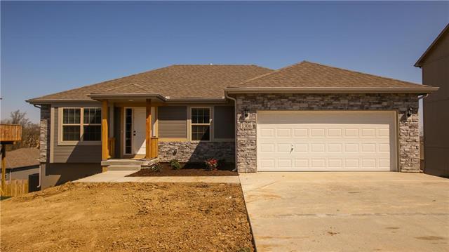 1303 9th Terrace, Oak Grove, MO 64075 (#2171618) :: No Borders Real Estate