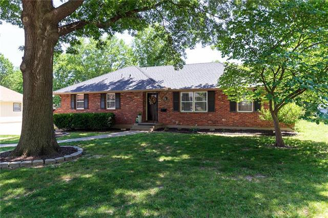 15709 E 44th Street, Independence, MO 64055 (#2171645) :: No Borders Real Estate