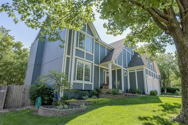 14517 S Greenwood Street, Olathe, KS 66062 (#2171674) :: No Borders Real Estate