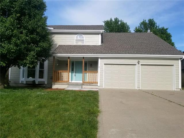 1037 SE Cape Drive, Lee's Summit, MO 64081 (#2171713) :: NestWork Homes