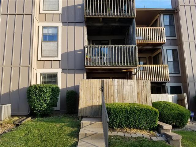 12786 W 110th Terrace, Overland Park, KS 66210 (#2171736) :: Clemons Home Team/ReMax Innovations