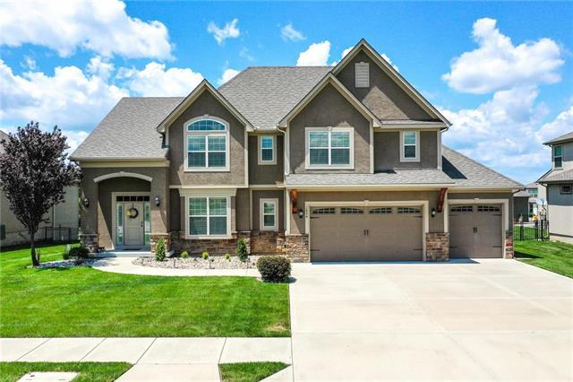 1854 NE Park Ridge Drive, Lee's Summit, MO 64064 (#2171796) :: No Borders Real Estate