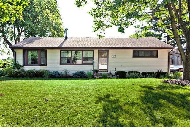 7019 Hadley Street, Overland Park, KS 66204 (#2171804) :: NestWork Homes