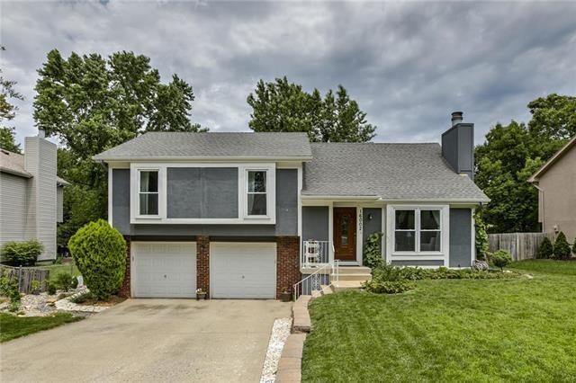 16002 W 124 Terrace, Olathe, KS 66062 (#2171811) :: NestWork Homes
