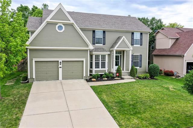 5207 W 155th Terrace, Overland Park, KS 66224 (#2171840) :: No Borders Real Estate